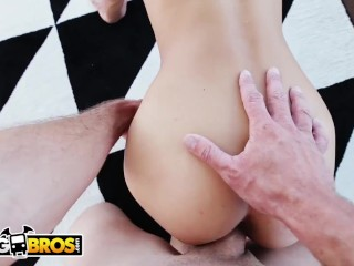 BANGBROS – Sean Lawless Fucks A Petite Girl Named Uma Jolie